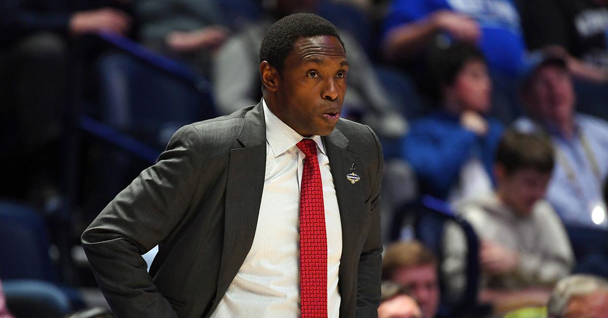 Alabama Negotiating Buyout With Coach Avery Johnson