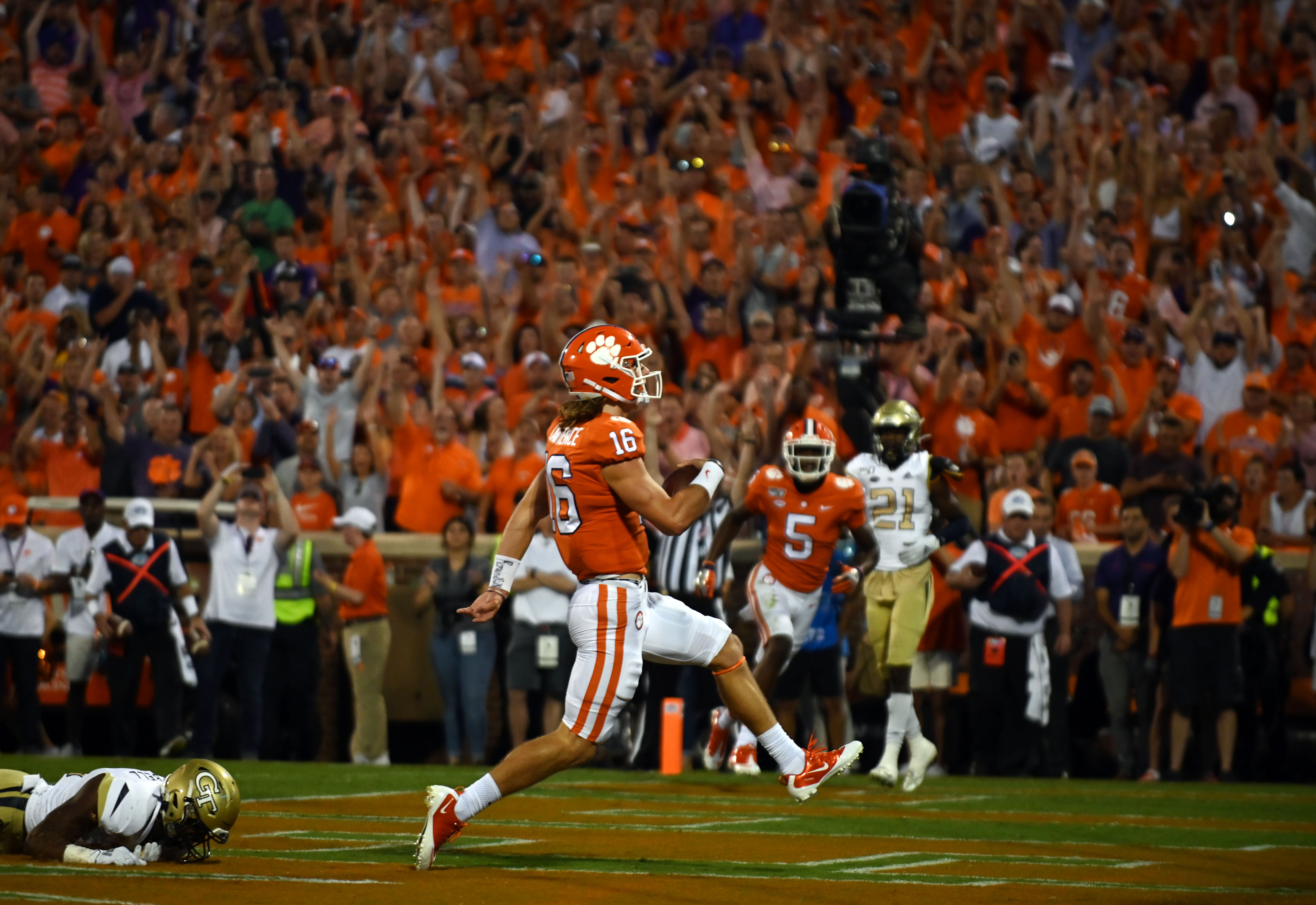 Trevor Lawrence Starts Slow But Shows Mobility in Clemson ...